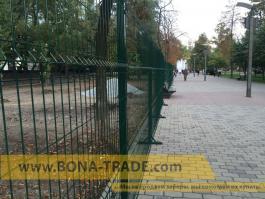 Сетка сварная в полиммерном покрытии ограждение парка