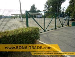 Ворота с зашивкой панельным забором
