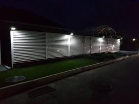Подсветка ночная забора