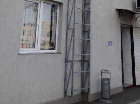 Фасадная лестница оцинкованная_1