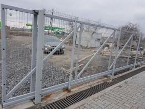 Откатные ворота с заполнением из сварной сетки