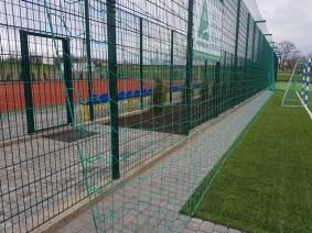 Гасильная сетка для ограждения футбольного поля