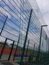 Забор для футбольного поля с гасильной сеткой