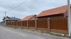 штакетный забор вокруг участка