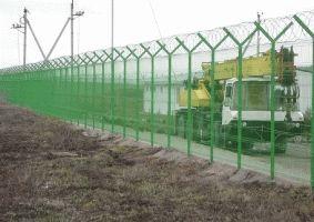 Забор с колючей проволокой Егоза