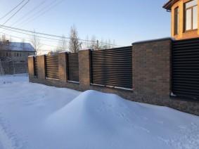 Забор из металлических жалюзи