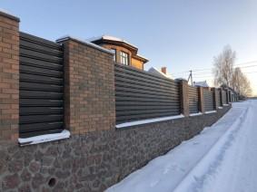 Металлический забор из штакетинок
