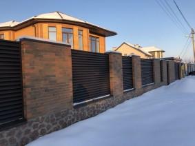 Жалюзи забор для фасада территории