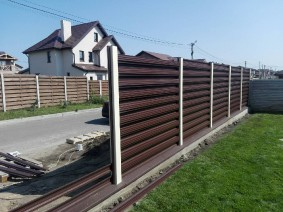 Забор из горизотального штакета_2