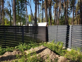 Забор-жалюзи металлический для ограждения частных секторов