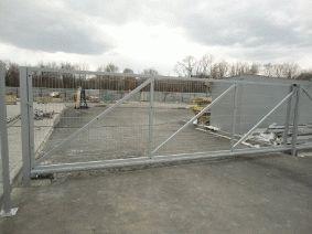 Монтаж откатных ворот на объекте